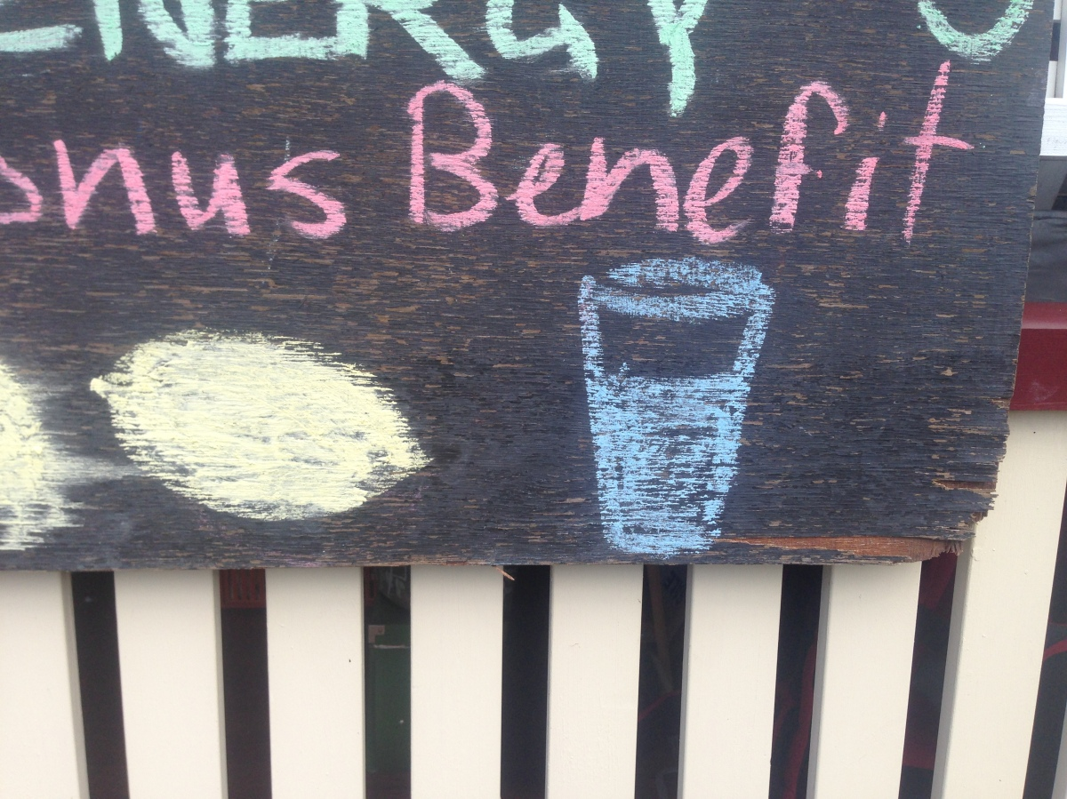 7 Benefits of Drinking Lemon Water Daily